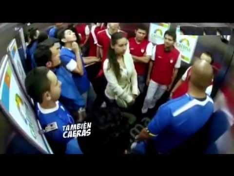 Navijački rivali zajedno u liftu