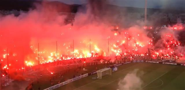 Navijači PAOK-a zapalili Solun